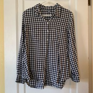 Aerie half-button down